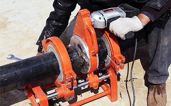 PE给水管厂家解答管材与管件的连接方法