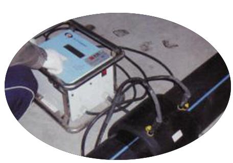 PE给水管电熔连接.jpg
